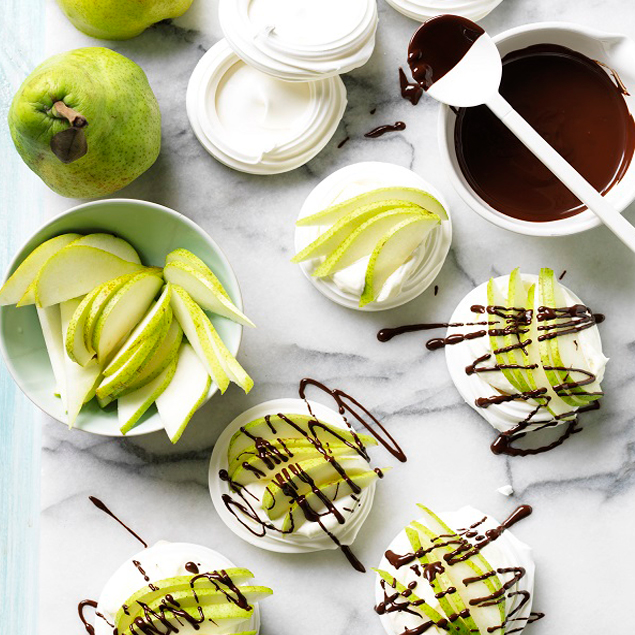 Pear pavlova nests with chocolate